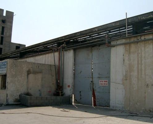 מבנה תעשיה לאחר פירוק אסבסט